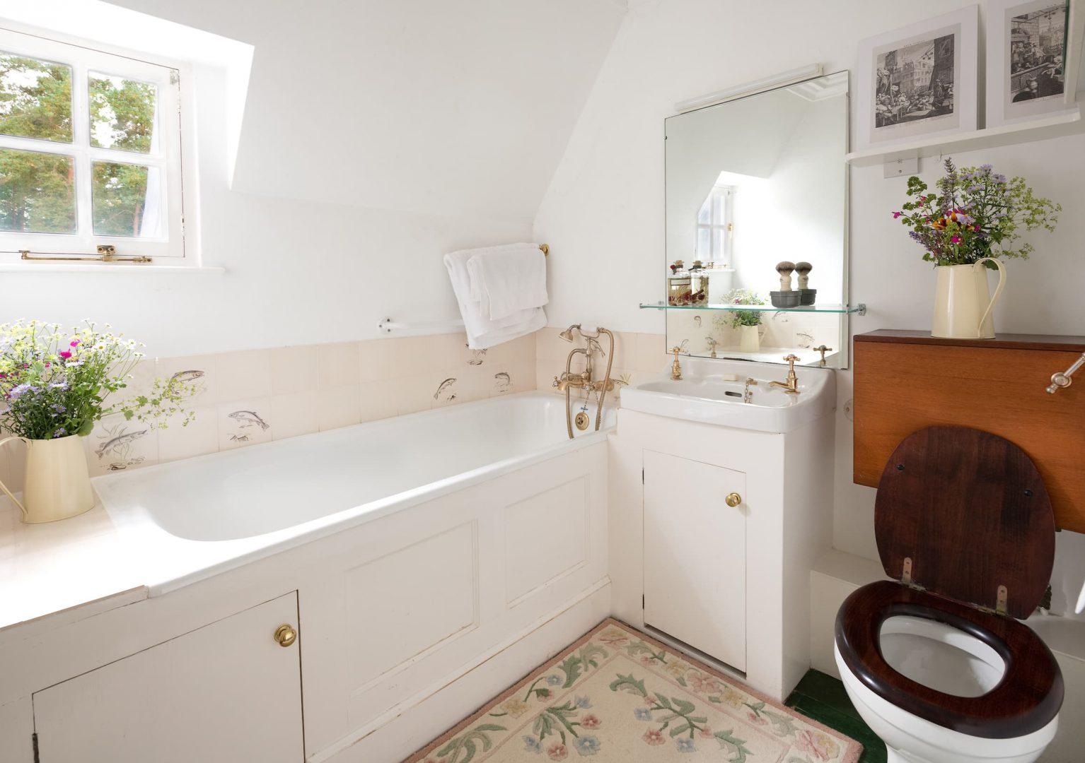 Upper Bothy Bedroom Bathroom Ferniehirst Castle